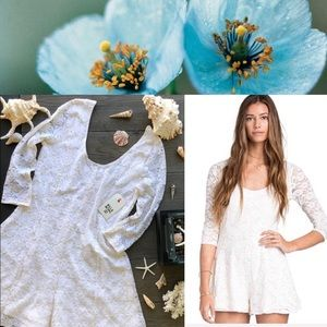 🌴🌼BILLABONG-SWEET FIX ROMPER🌼🌴